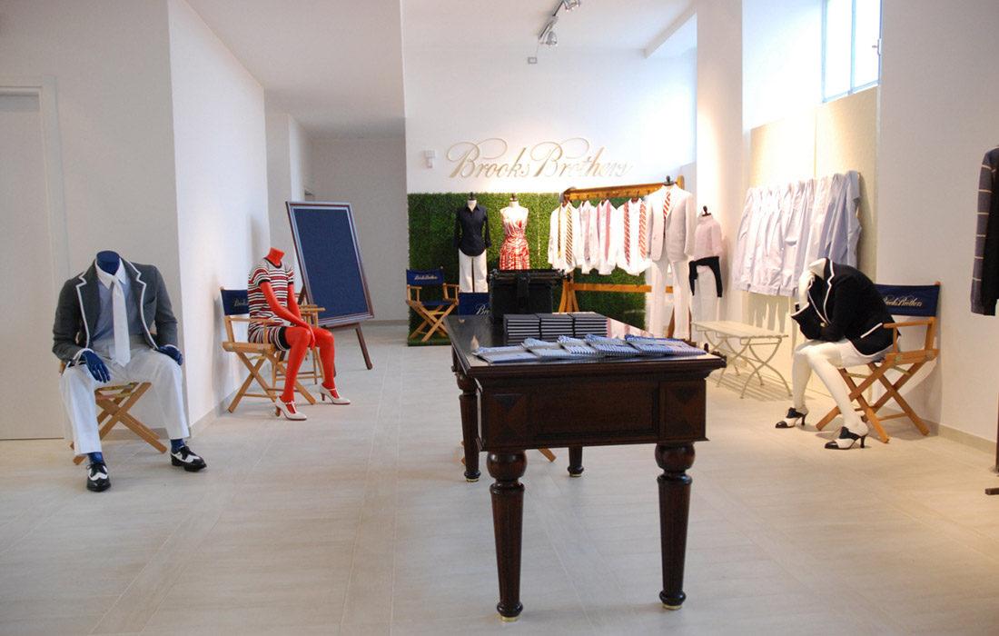 La progettazione del Negozio di Brooks Brothers attraverso una ripensamento degli spazi commerciali simili allo showroom