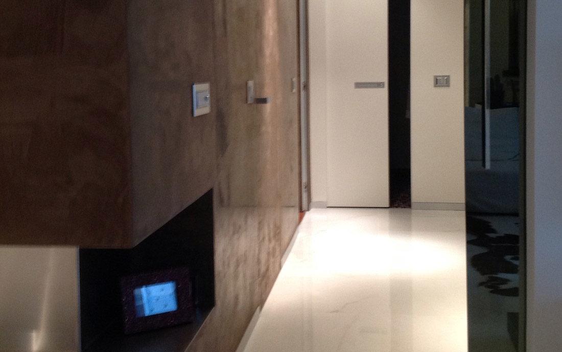 Corridoio dell'appartamento in ristrutturazione a Milano